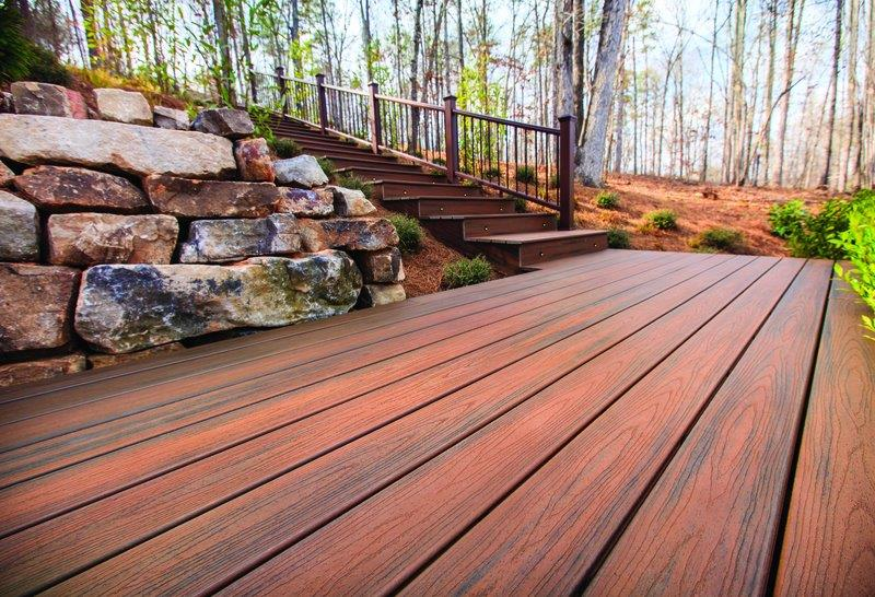 Trex Transcend decking in Spiced Rum adds zest to an outdoor space.